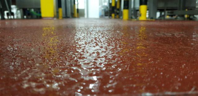 Detalle de fabricación de suelo antideslizante.